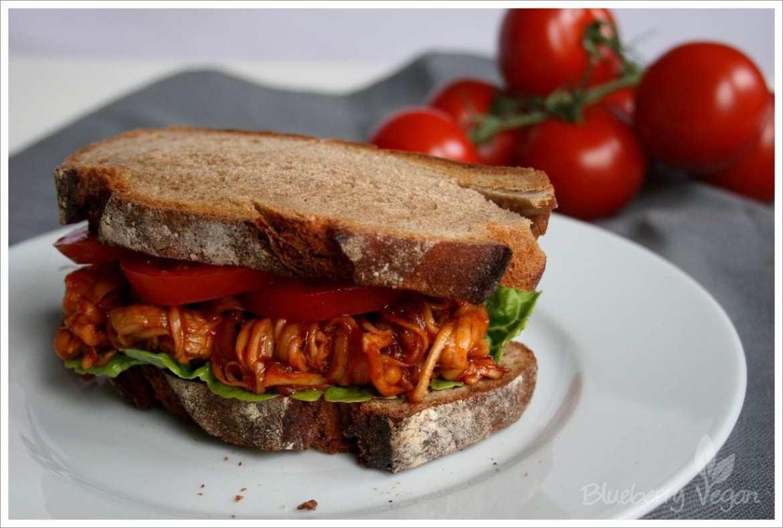 Veganes Pulled Pork Sandwich.
