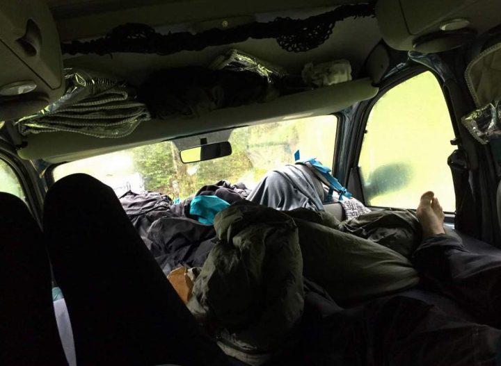 Schlafen im Kangoo