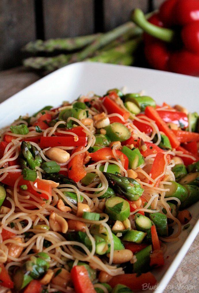 Asiatischer Reisnudel-Spargel-Salat