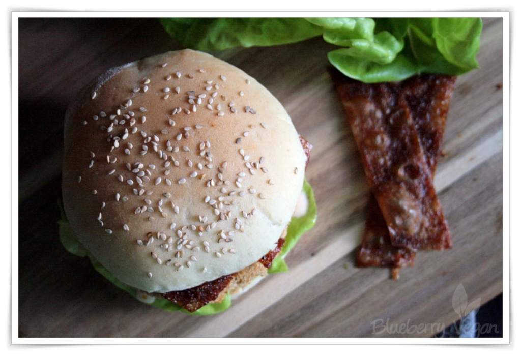 [cml_media_alt id='4578']Veganer Chicken Burger und Reispapier Bacon[/cml_media_alt]