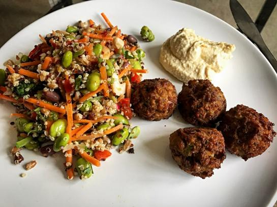 Quinoa Salad with Falafel and Houmous