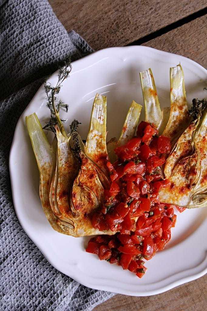Gebackener Fenchel mit Harissa-Salsa