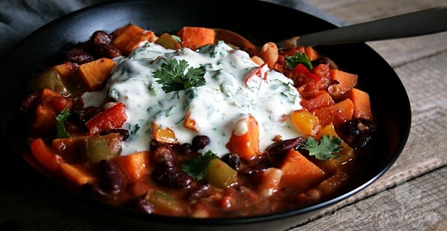 Kunterbuntes Gemüse-Chili mit Süßkartoffeln