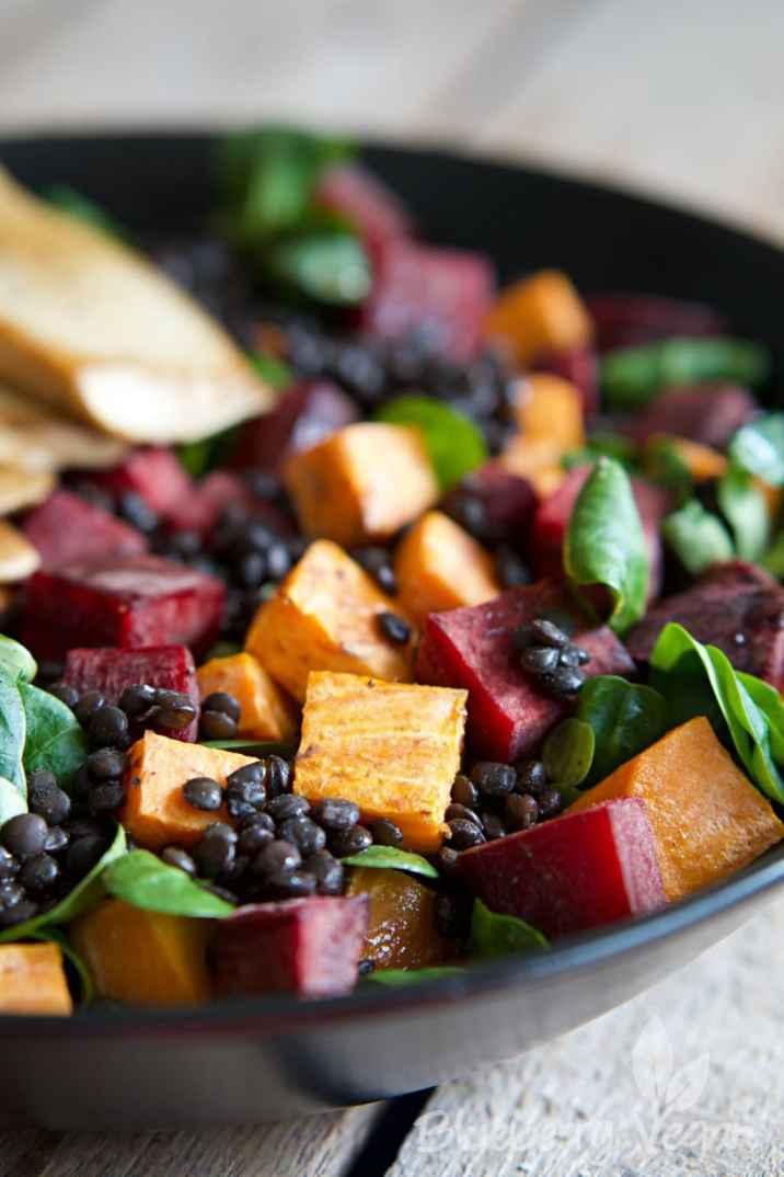 Salat mit Sueßkartoffeln, Rote Bete und gebratenen Kraeuterseitlingen vegan_4