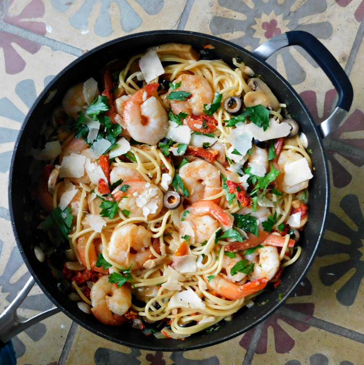 30 Easy Shrimp Recipes For Weeknight Dinners: Easy Weeknight Shrimp Pasta