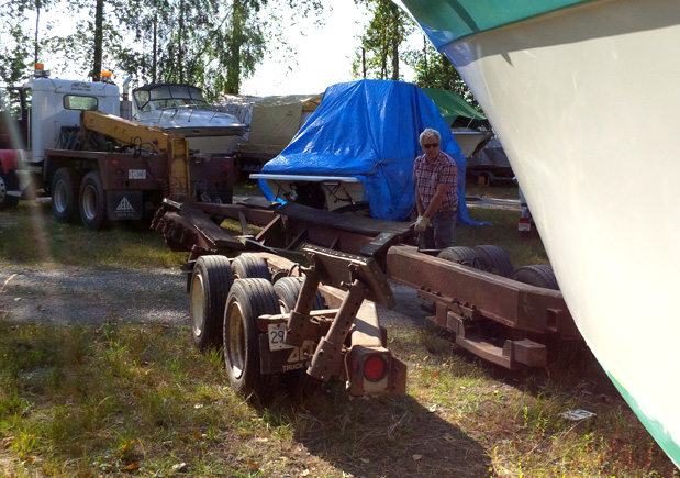 Tom lines up his trailer to tow the soon to be electric boat