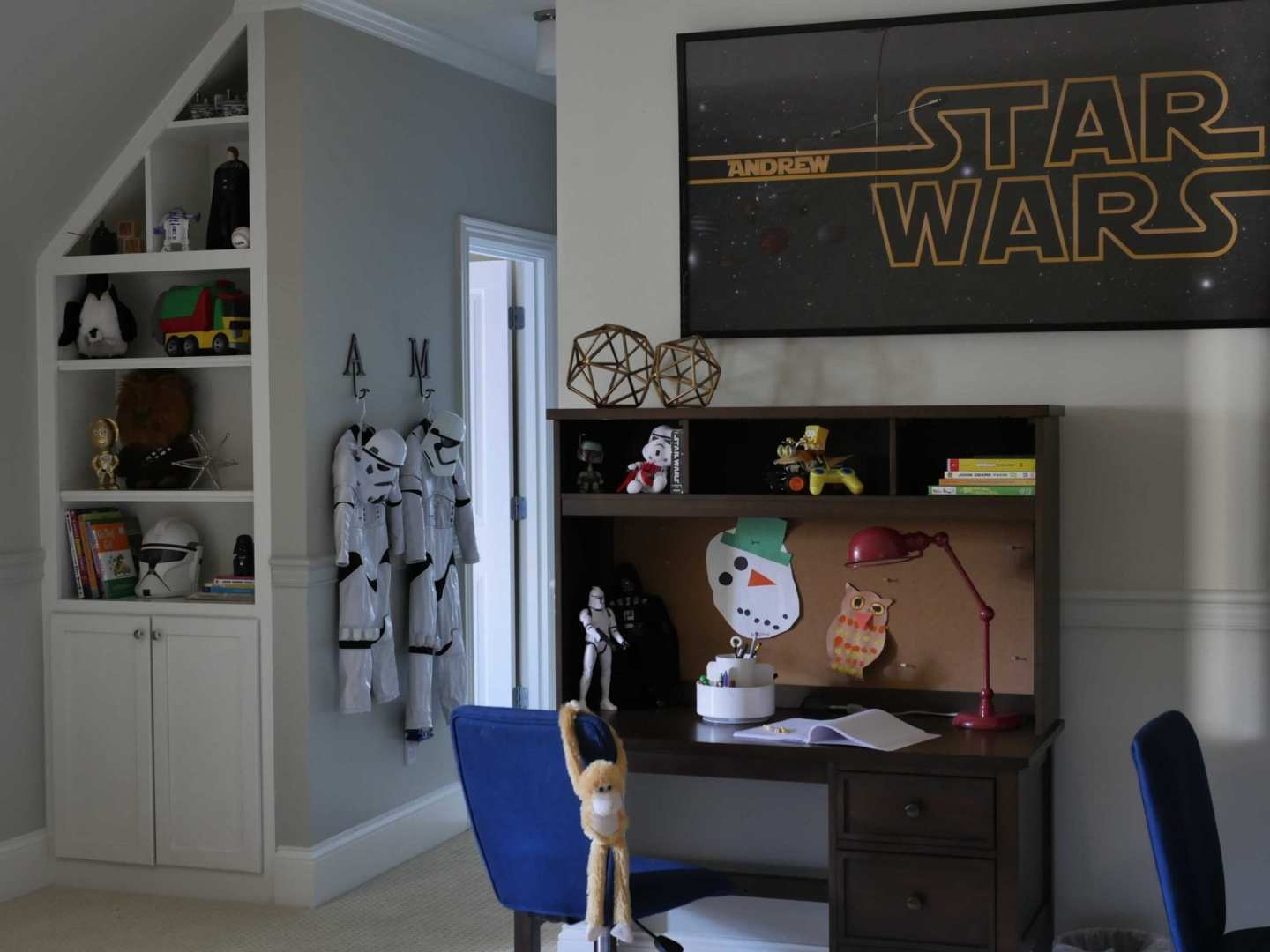 Star Wars bedroom for little boys. Great kids bedroom decorated in Star Wars with Brushed Aluminum wall color.