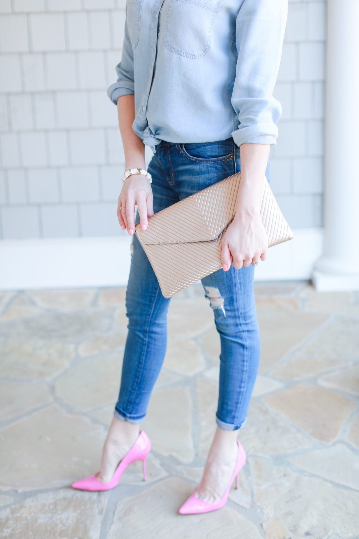 How to wear a chambray shirt.