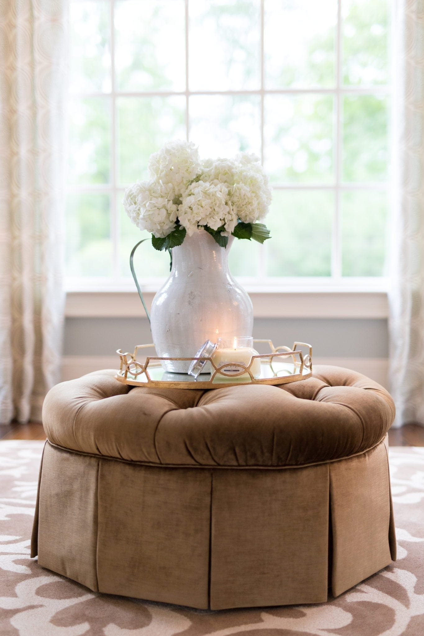 Three easy ways to keep fresh hydrangea from wilting. These no fail steps will keep your hydrangea arrangement looking fuller longer. If you're hydrangea is starting to wilt, it's not dead! You can revive wilted hydrangea with three easy steps.