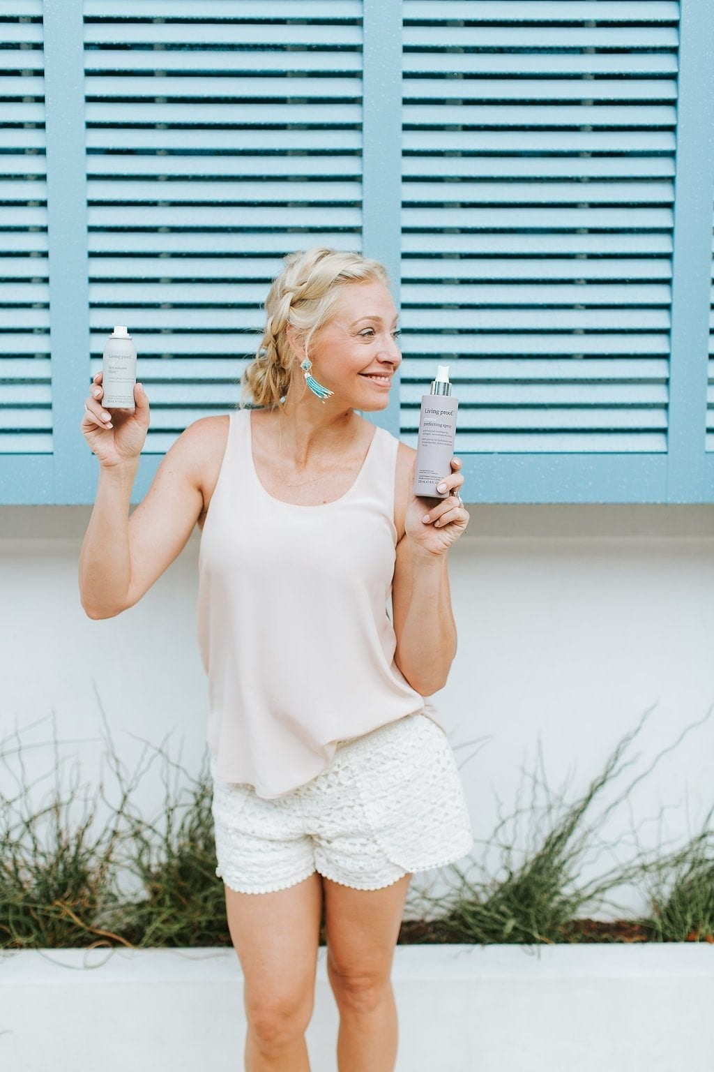 Atlanta blogger Kelly Page is bluegraygal. Living Proof brand hair products and summer shorts outfit.