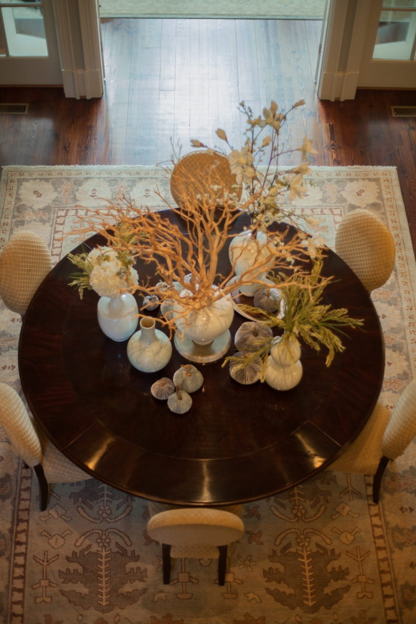 Centerpiece for round dining room table. floral decor for home