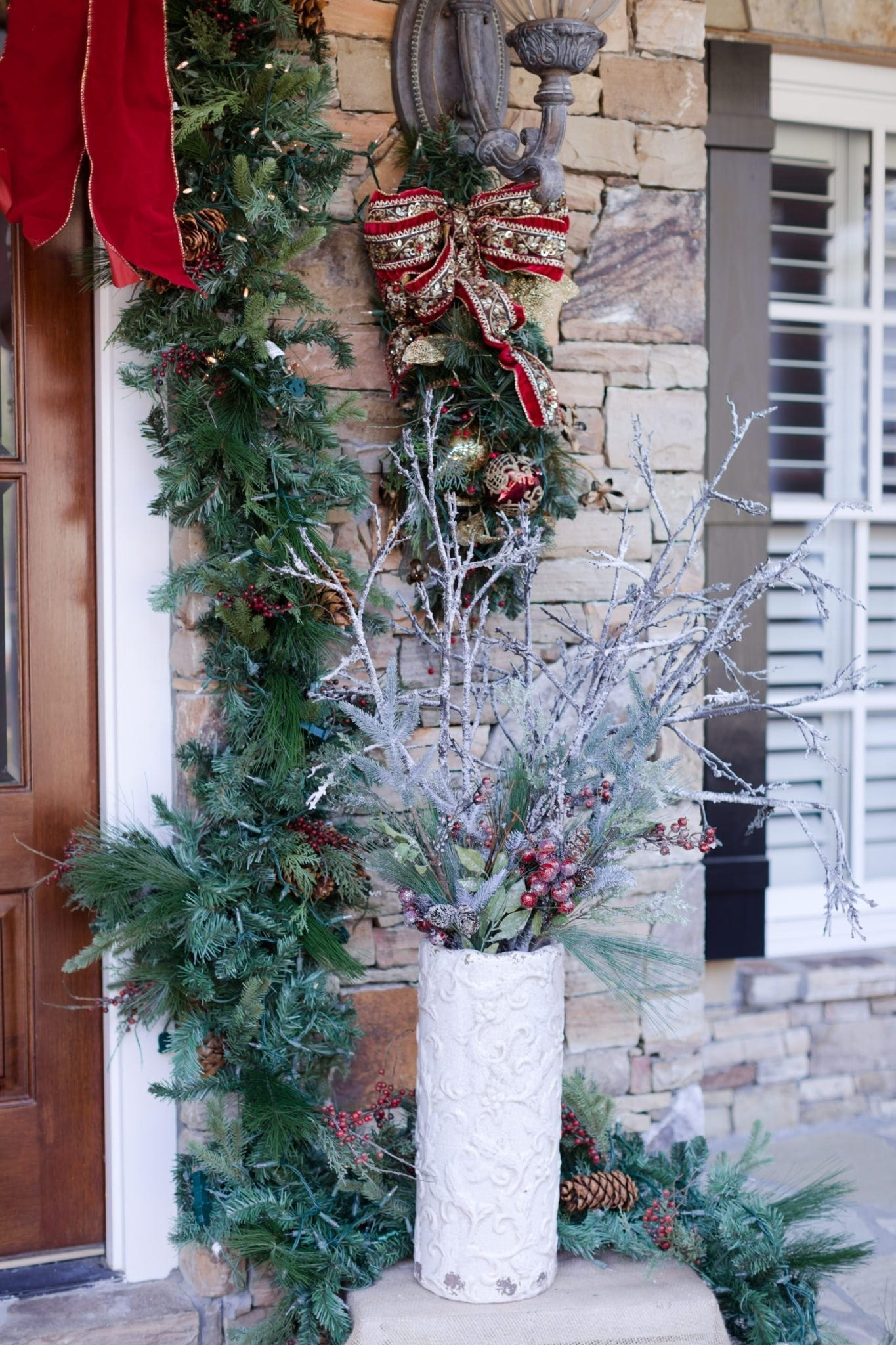 Exterior house Christmas decorating ideas.