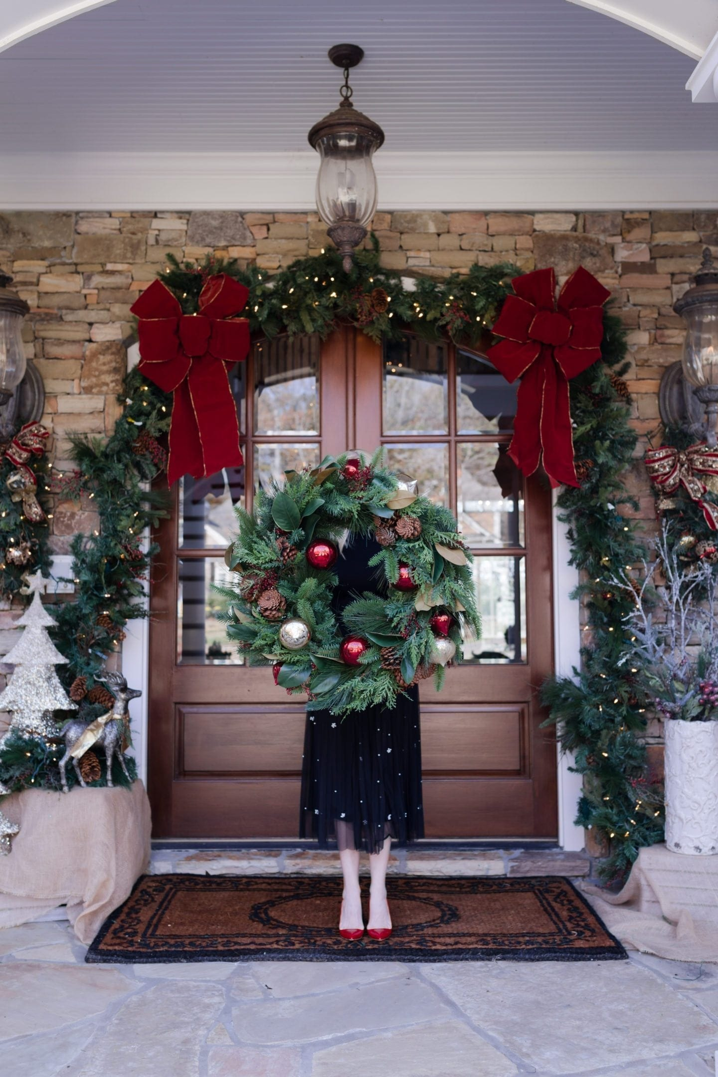 how to decorate your front door for christmas