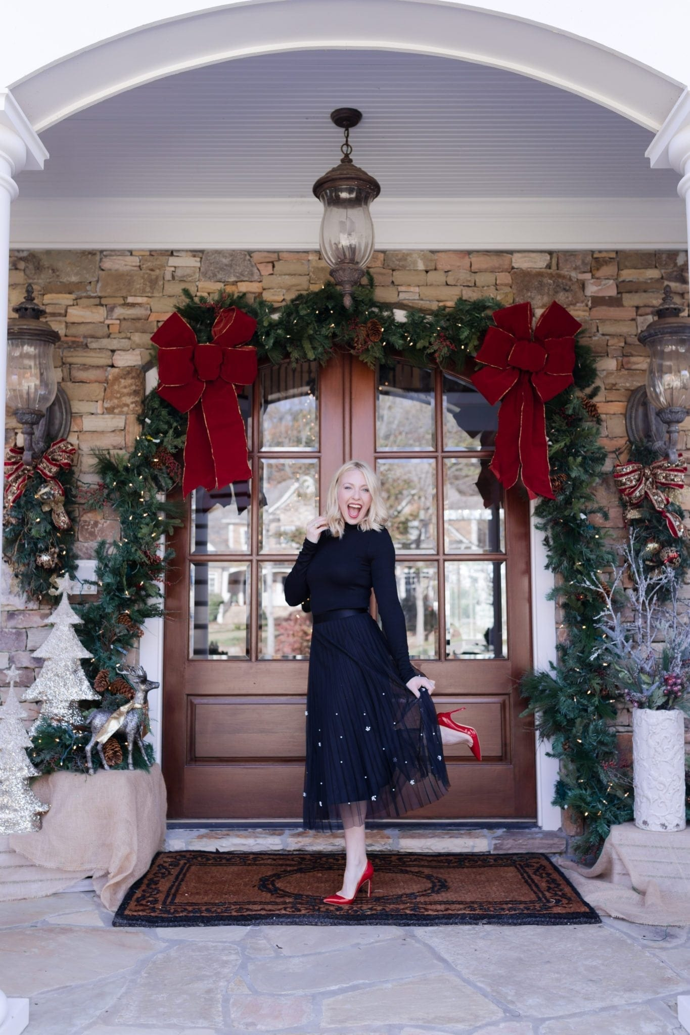 What to wear to dress up Christmas with a pretty special occasion outfit.
