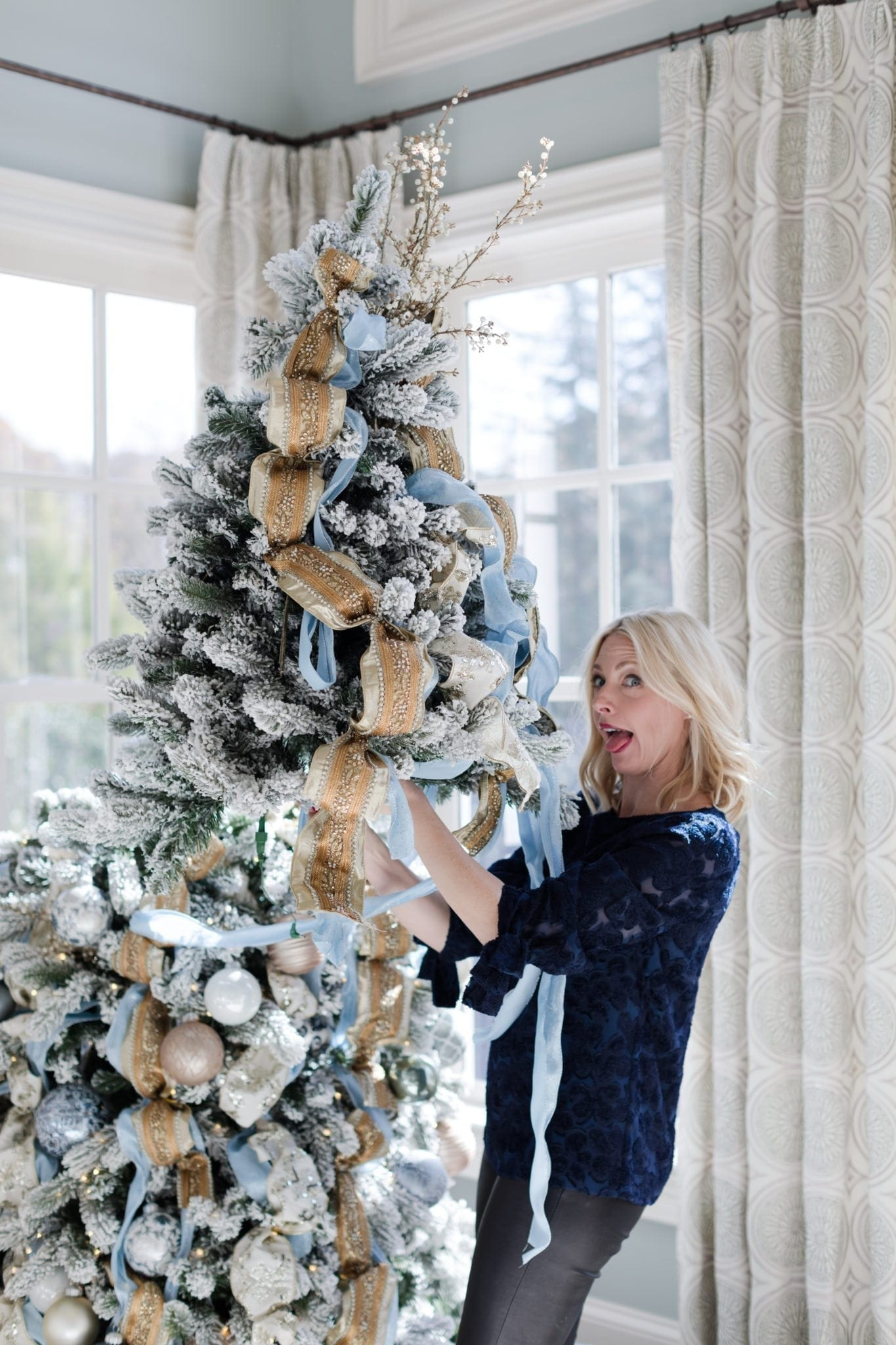 Frontgate Atlanta in store class on Christmas Tree decorating.