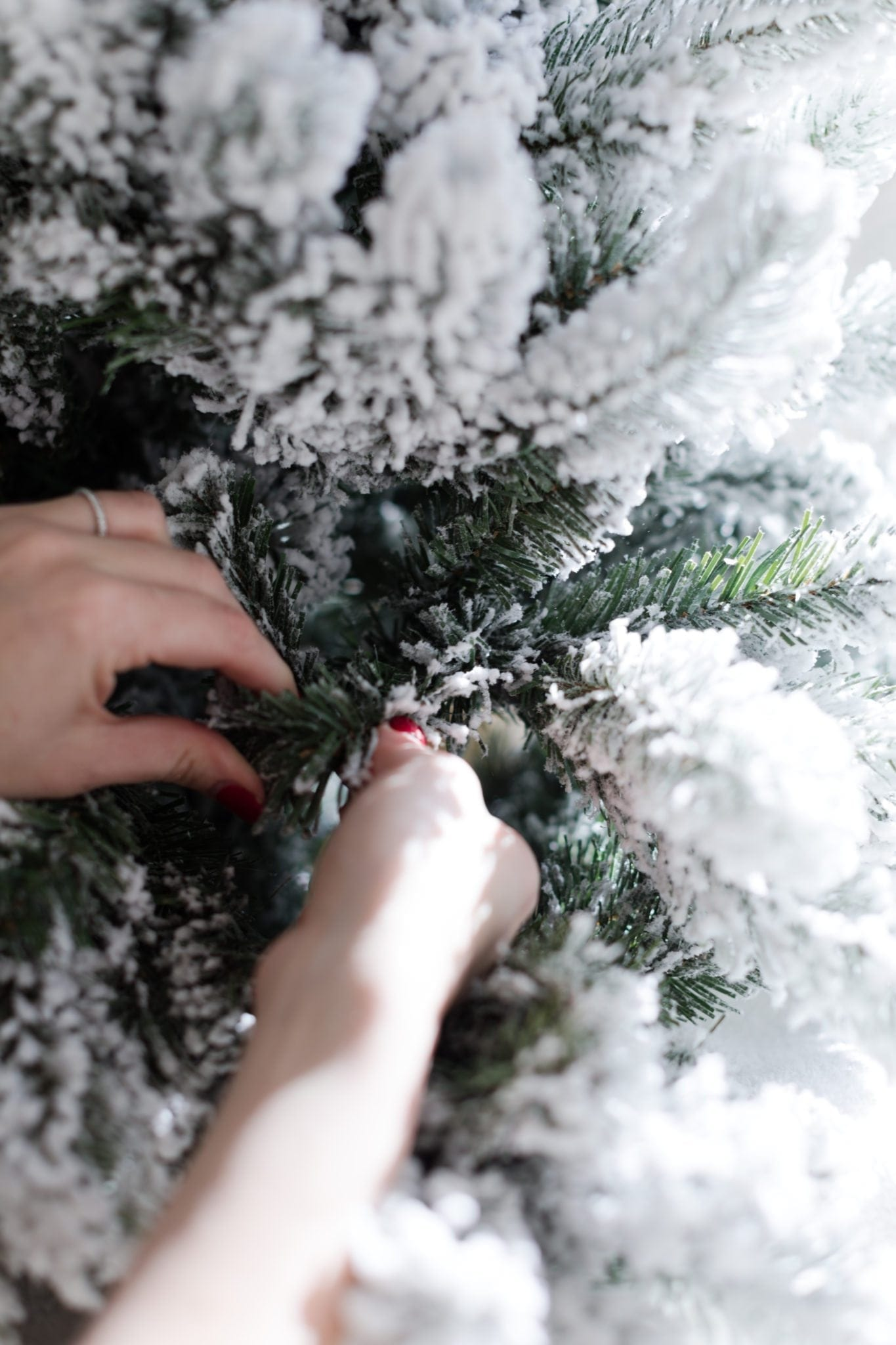 What to look for in an artificial Christmas tree.
