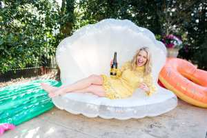 Clam pool float. Nothing is better for summer pool parties than giant pool floats!