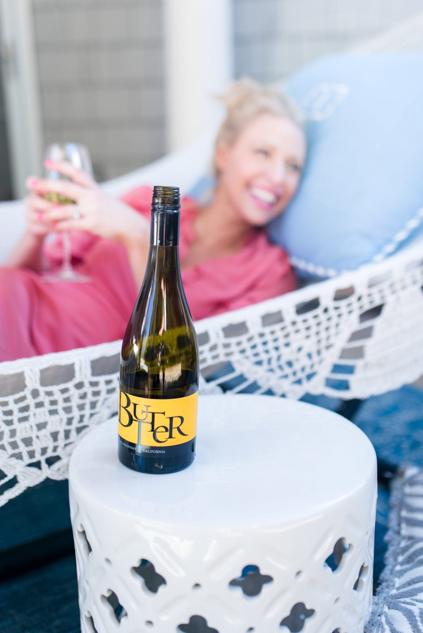 Spring party ideas and outdoor furniture styling.