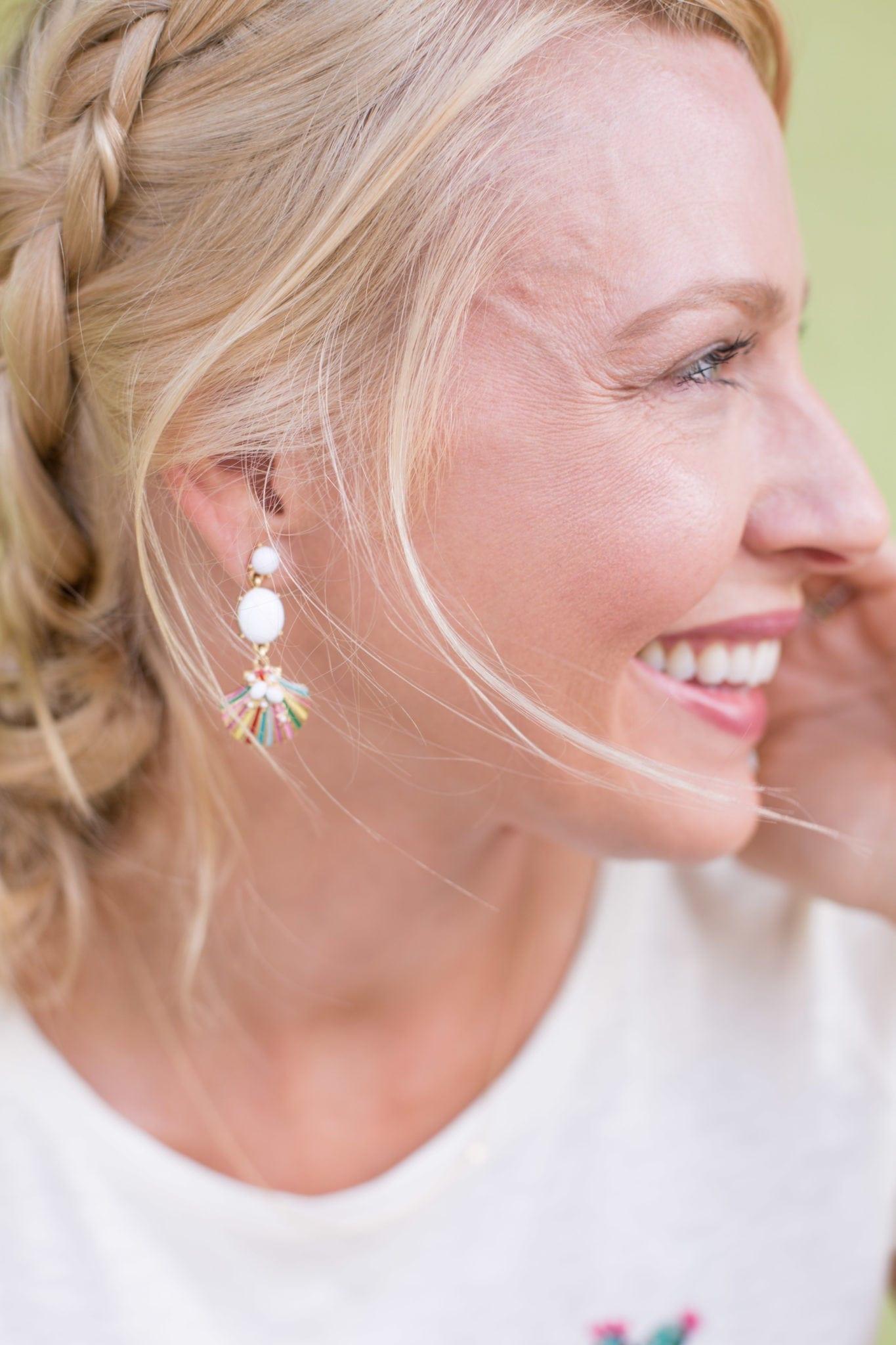 Summer earrings in white and shell design