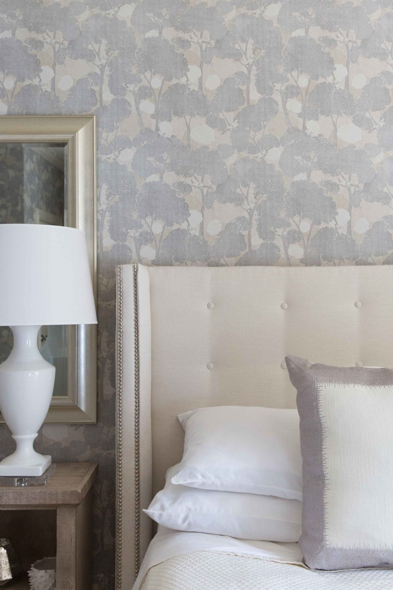 Decorating with wallpaper. How to use wallpaper and tips on how to update bedroom decor.