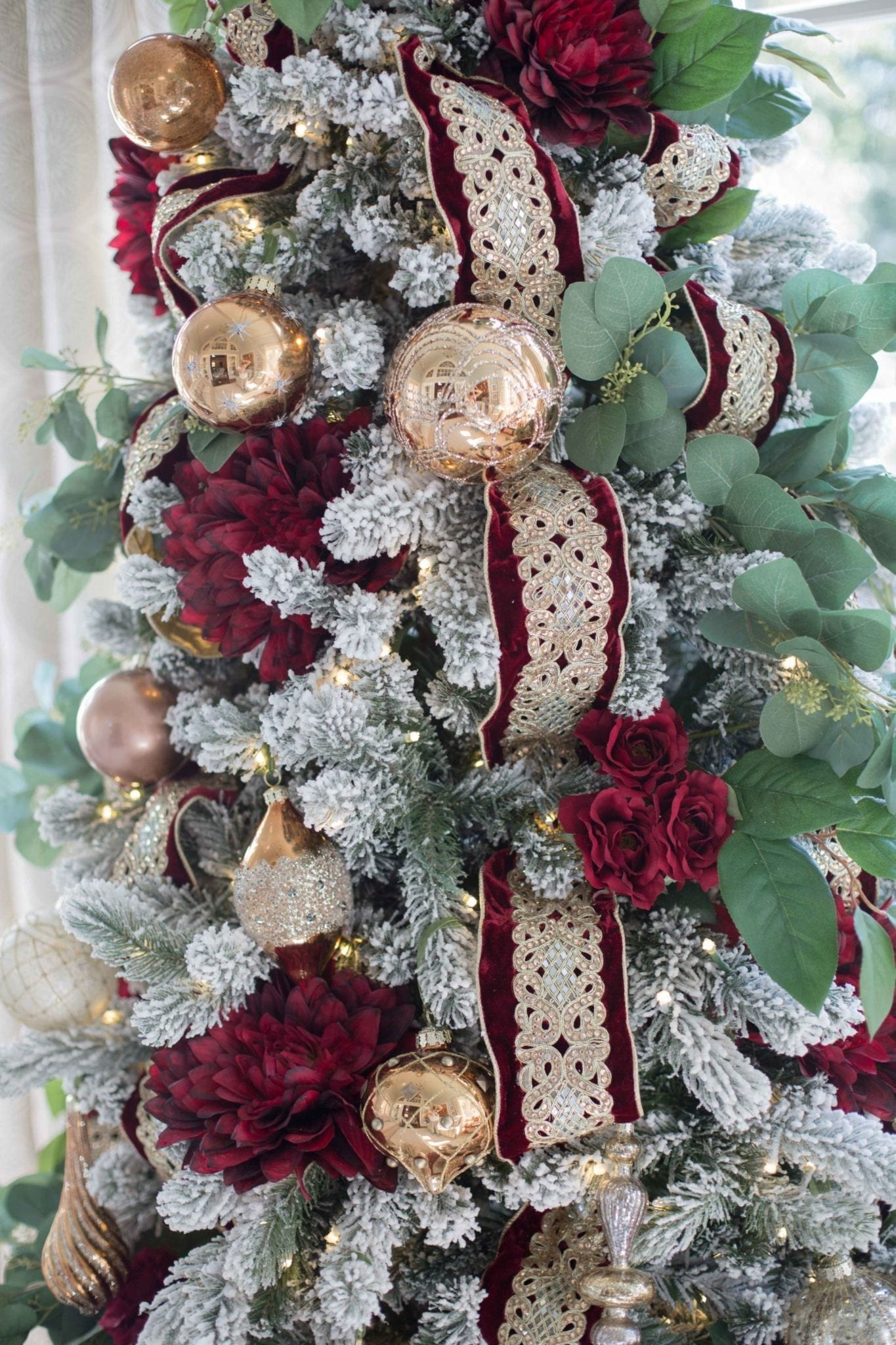 Dark Red and Green Christmas Tree