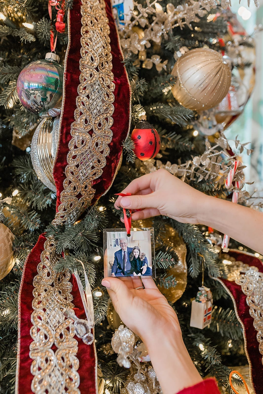 Ornament Gifts. Great ways to gift a special present for the holidays or even a birthday to remember the year by!