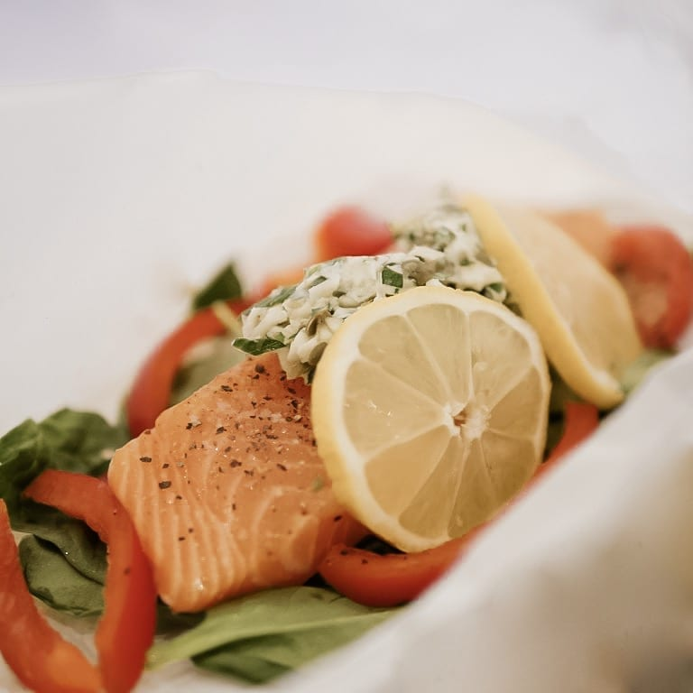 Healthy and Easy Salmon Dinner in Parchment.