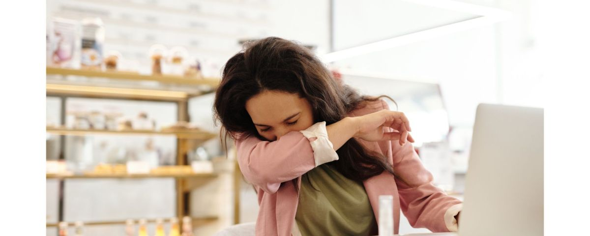 Covered sneezes are stuill contagious