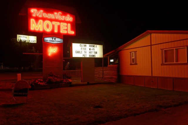 When the light's over it's time to sleep. We dream of finding that best-kept secret combination of clean, safe, well-appointed and affordable. The Mesa Verde Motel in Mancos, Colorado is one such place.