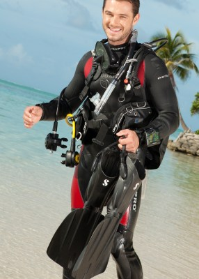 SSI Diver in dive equipment