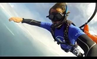 Ze spadochronem na nurkowanie