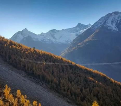 Najdłuższy na świecie podwieszany most został właśnie udostepniony w Szwajcarii