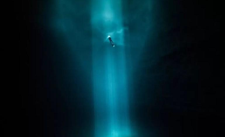 3 miejsce w kategorii Sztuka podwodna. Freediver na Jukatanie w Meksyku fot Guillaume Nery Ocean Art