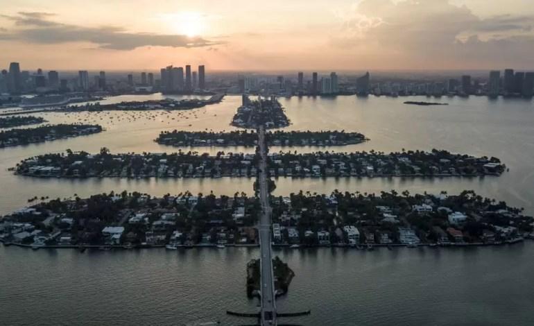 """Słynne """"weneckie"""" wyspy w Miami fot.:Dronestagram/thedjiman"""
