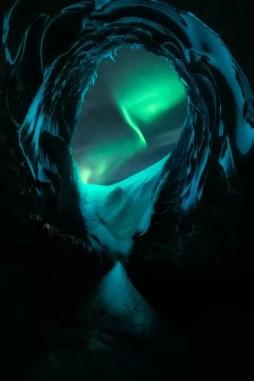 Patrick Hertzog Zorza polarna i jaskinia lodowa zdobywca 2 miejsca w kat. Nature