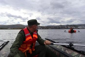 Poszukiwania na rzece Jenisej wraku