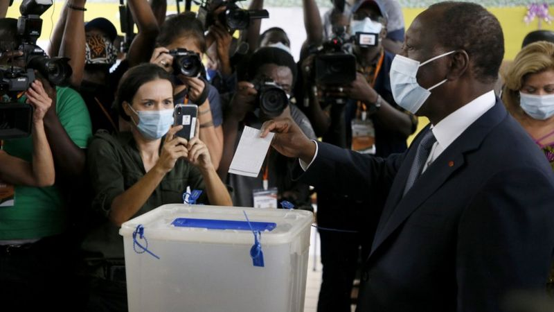 Ivory Coast's Ouattara takes early lead in election