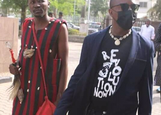 Pictures: Confusion as herbalist accompanies Omoyele Sowore to court