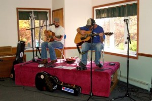 Hobo Jac was also on hand providing live entertainment as folks sampled the great food!