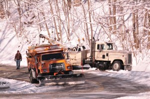 After a good strong tug from the Stoney Creek Auto wrecker, VDOT was up and on their way again!