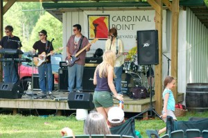 ©2009 NCL Magazine : It was dancing, games, wine and music at the 7th annual Band Fair this past Saturday at Cardinal Point Vineyard & Winery.