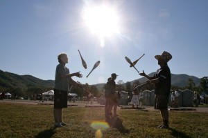 These peope try a little juggling at The Festy!