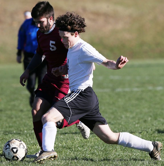 FCHS soccer player on the attack in a match against George Wythe.