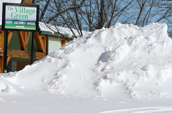 A mountain in the town of Floyd (a mountain of snow)