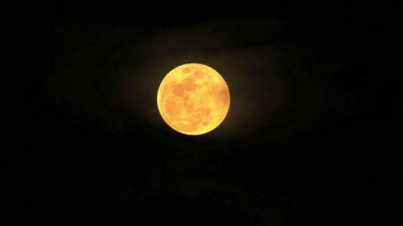 Dark night, bright moon.
