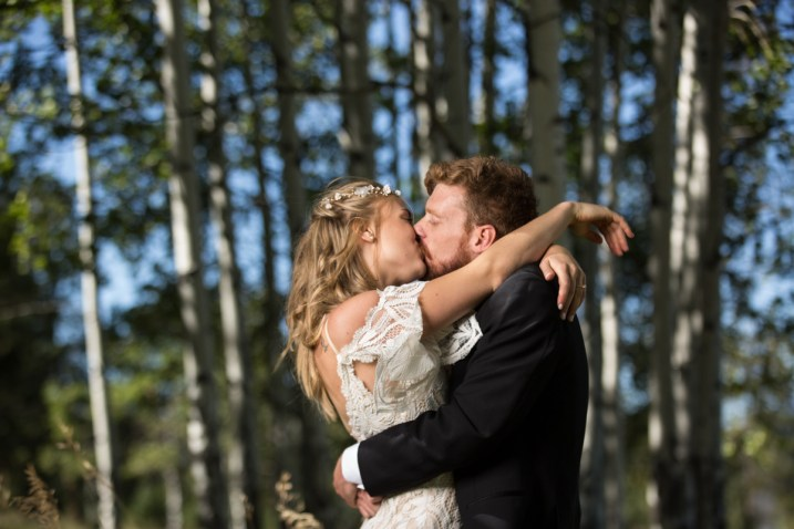 Colorado_wedding_photography_Evergreen_Red_Barn_003