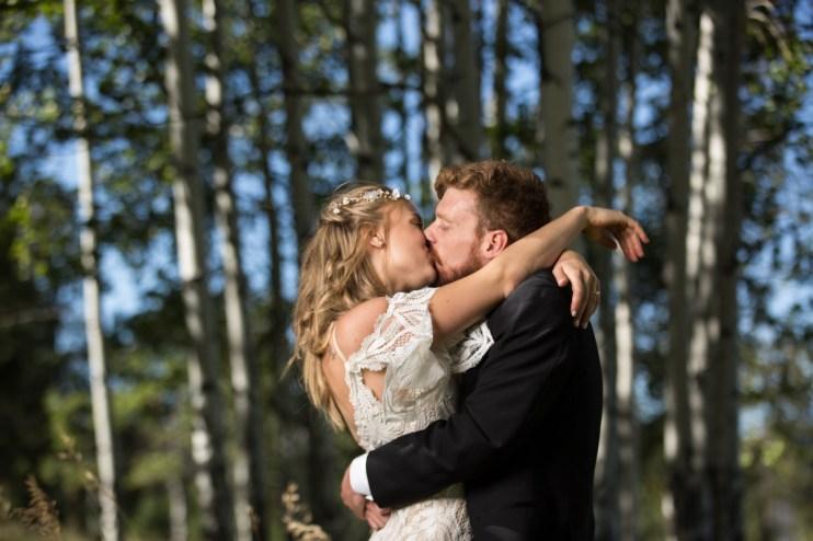 Colorado_wedding_photography_Evergreen_Red_Barn_003