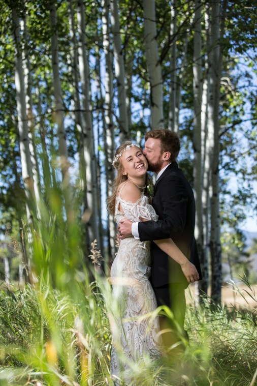 Colorado_wedding_photography_Evergreen_Red_Barn_005