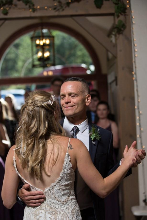 Colorado_wedding_photography_Evergreen_Red_Barn_016