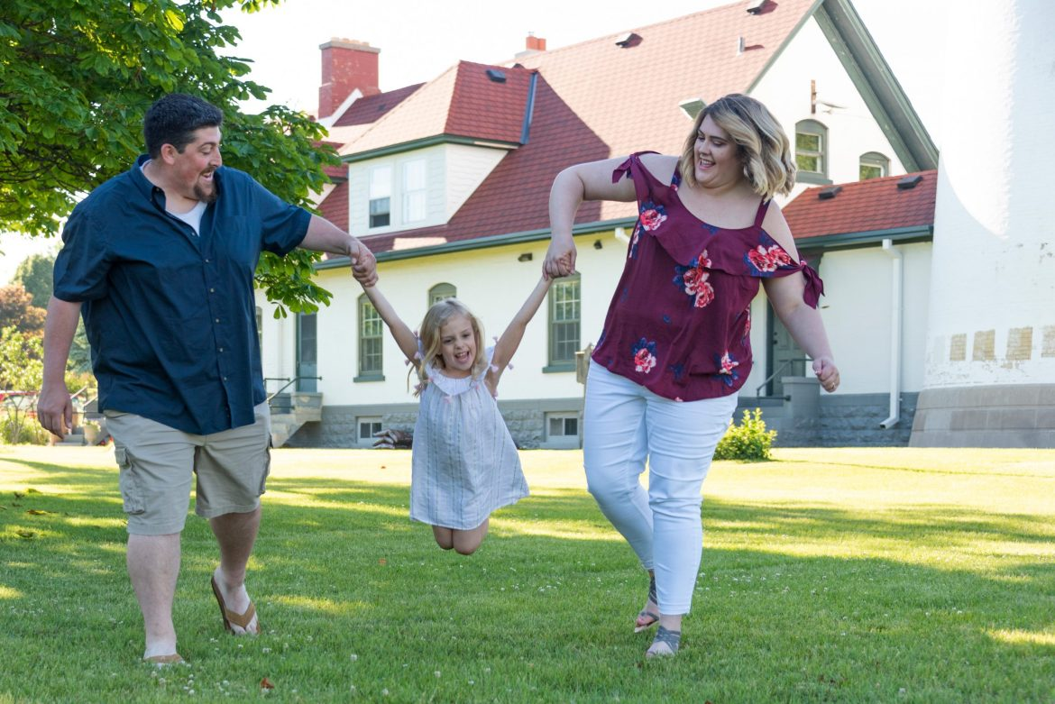 Adorable family + engagement session at Wind Point Lighthouse